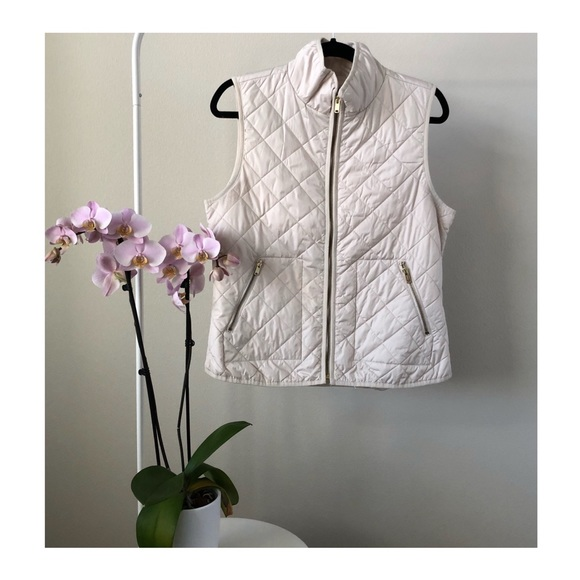 Old Navy Jackets & Blazers - EUC | Old Navy Cream Vest with Gold Accent